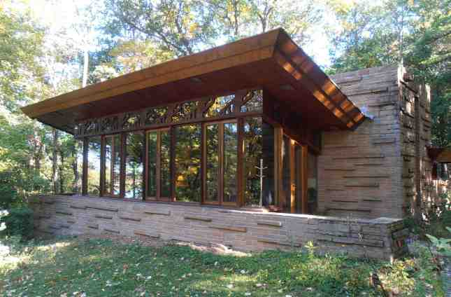 Frank lloyd wright inspired home plans polite33dlh for Frank lloyd wright style house plans